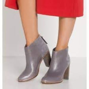 NWOT Ted Baker Lorca Leather Suede Bootie 41